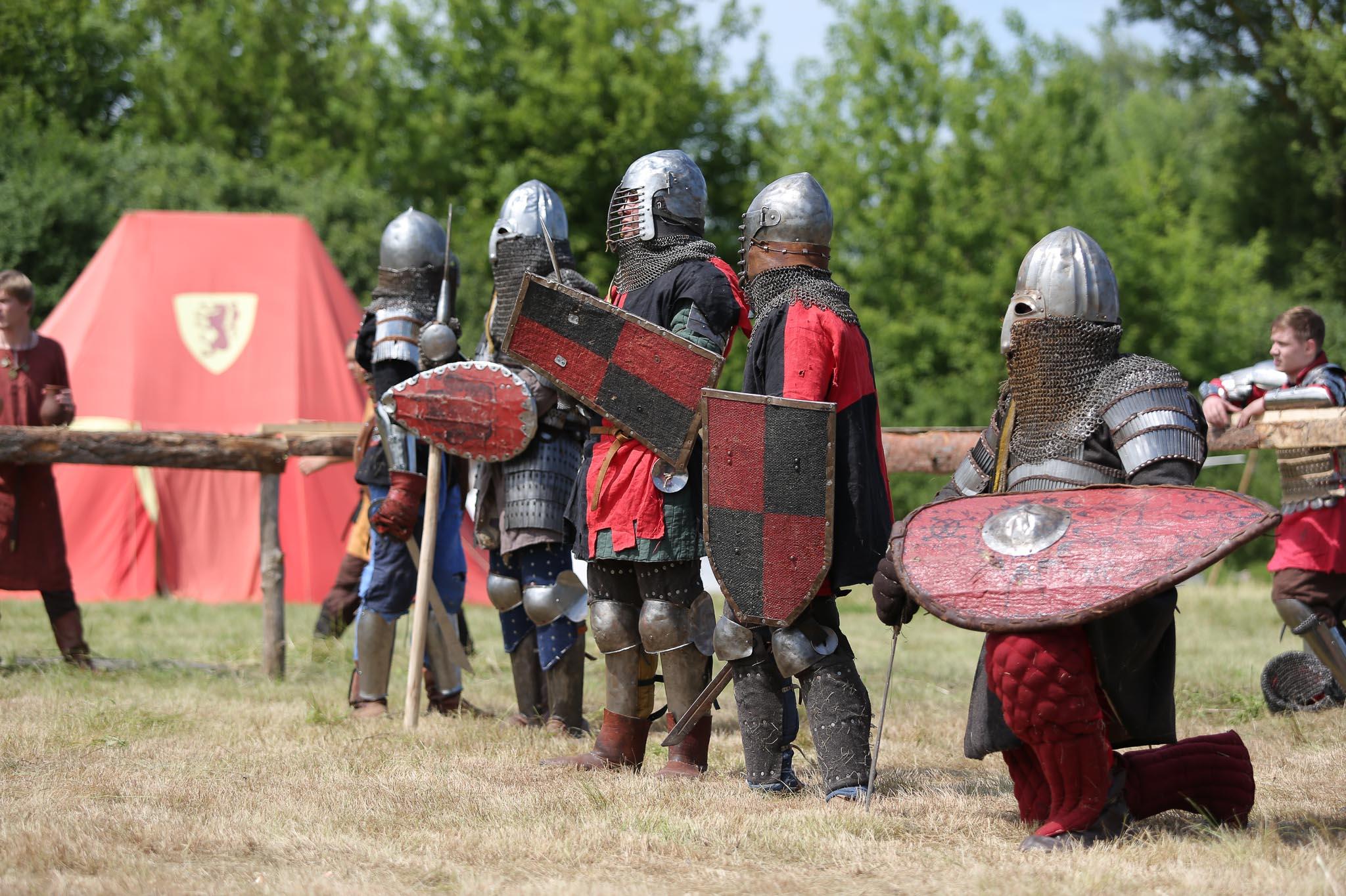 фото всех армий мира средневековая вот бетонной штукатурки